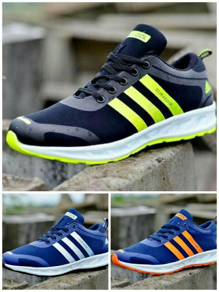 Jual FREE KAOS KAKI !! Sepatu sport running jogging pria Adidas ... 81fe152f85