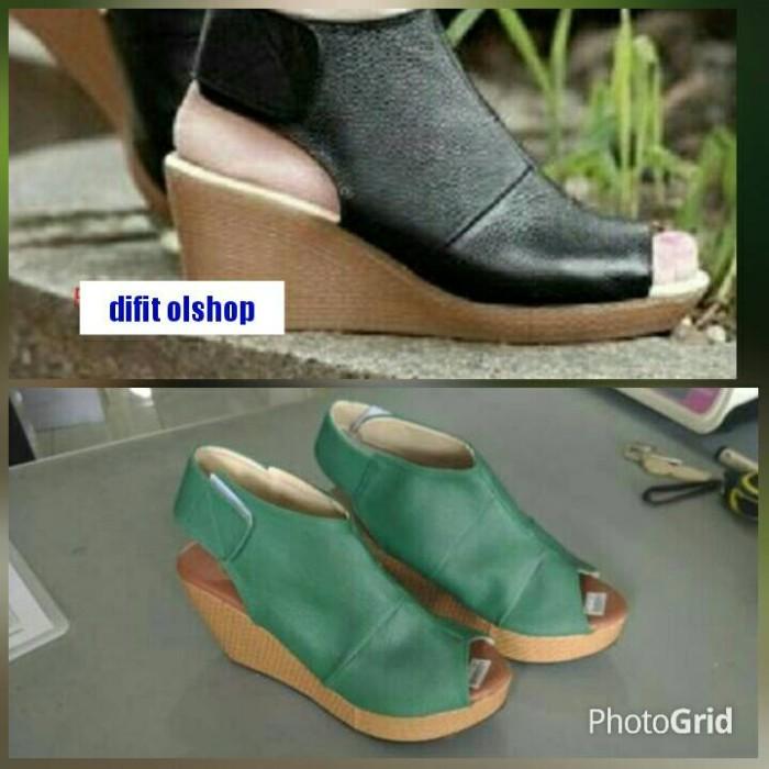harga Sepatu sandal wedges selop keren bagus hitam hijau 7cm polos kulit Tokopedia.com