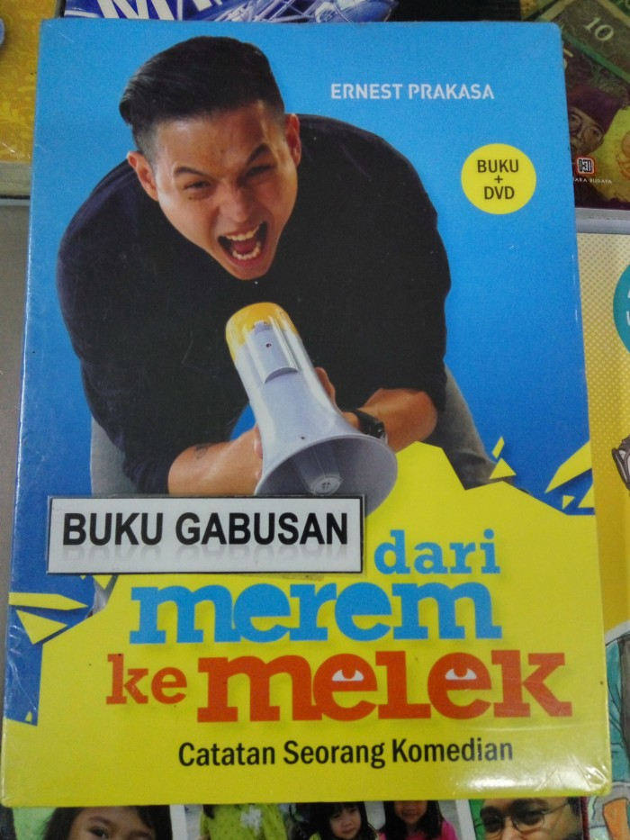 harga Buku dari merem ke melek catatan seorang komedian (buku+dvd) hn Tokopedia.com
