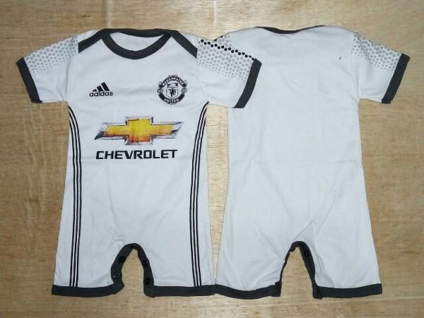 719eecc8eaf Jual Baju Bola Bayi Anak Baby Jumper Manchester United MU 3rd Putih ...