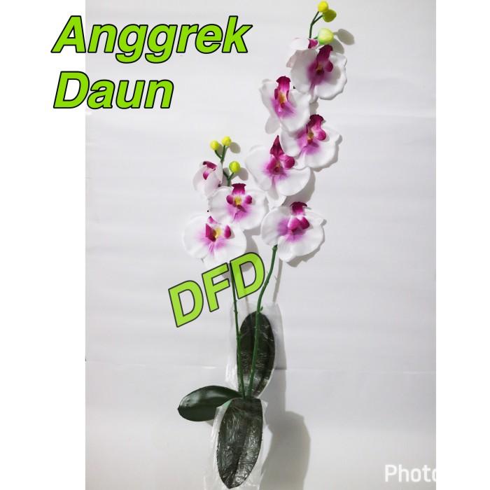 harga Anggrek bulan artifisial putih-ungu / bunga artificial / bunga plastik Tokopedia.com