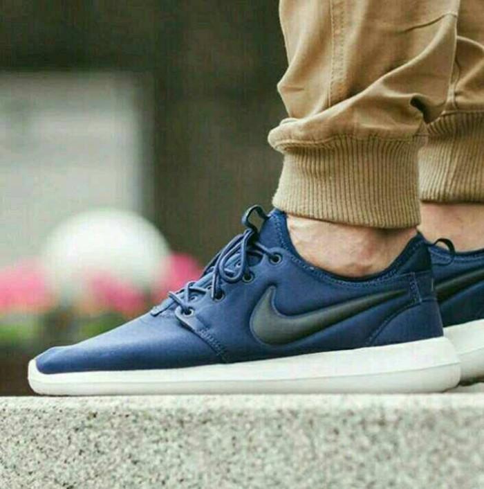 reputable site ff4d3 1be56 Jual Sepatu Nike Roshe Two Premium - Kota Tangerang - BCstore | Tokopedia