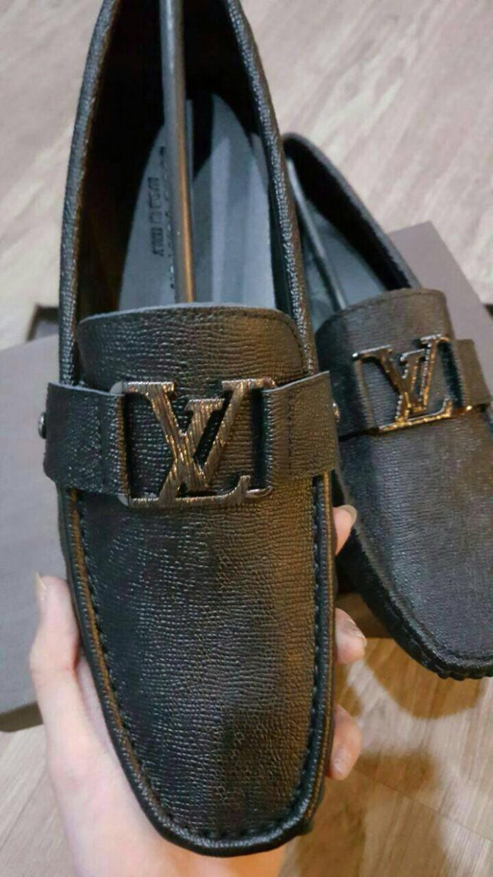 d5a0cf0ff59 Jual sepatu louis vuitton original - DKI Jakarta - myshoeid