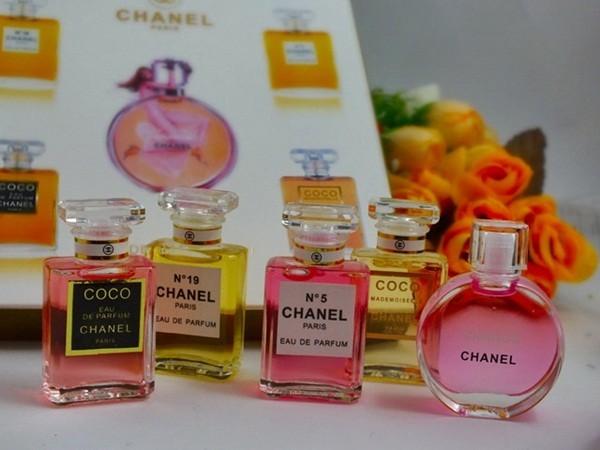 755392e9 Jual Perfume CHANEL Miniatur,Chanel Perfume Mini Set 5in1 - Kota Bandung -  toko unik bandung 12 | Tokopedia