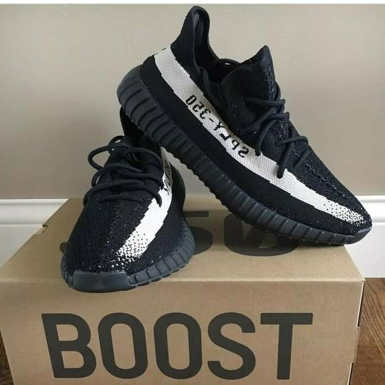 pretty nice 31e97 ac09a Jual Adidas Yeezy Boost 350 V2 Black Friday