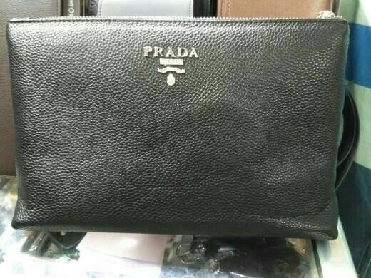 Jual tas tangan handbag clutch pria wanita kulit branded prada ... 1ff1614177