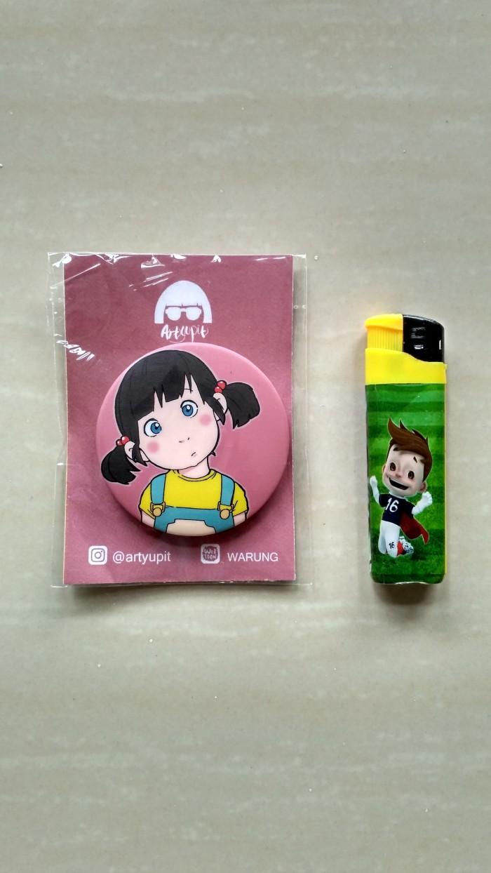 """Jual Merchandise Pin Besar Karakter """"Adik Ayu"""" Webtoon WARUNG By Artyupit Kab Badung Artyupit"""