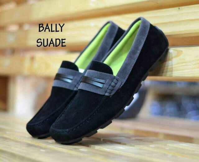 harga Sepatu casual pria bally slip on suade warna hitam slop laris Tokopedia.com