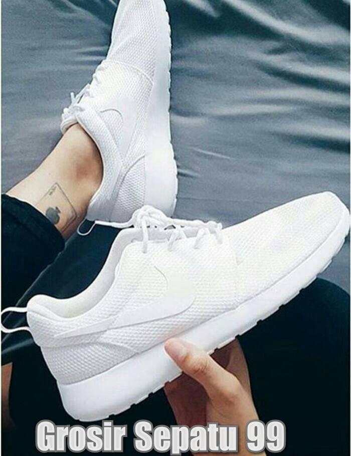 Jual Sepatu Casual Sport Nike Roshe Run One Man Women Cewe Cowo Pria ... 5a2eaded30