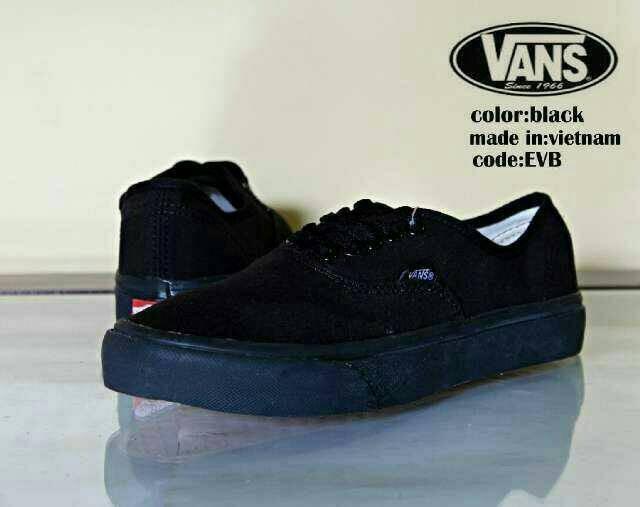 Jual Sepatu sneakers pria Vans warna hitam casual kuliah santai ... 1544203dc9