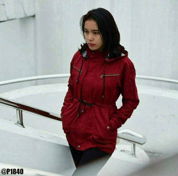 Jaket parka kanvas maroon wanita