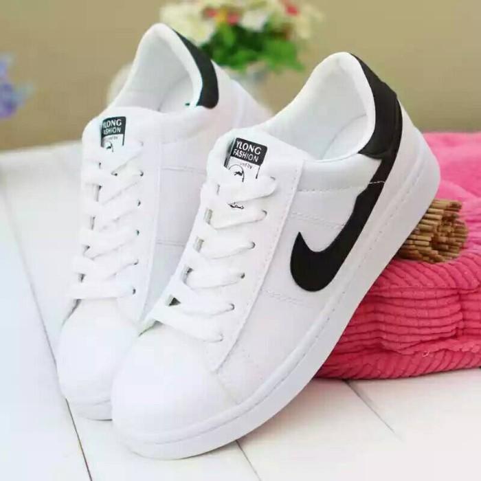 Sepatu Olahraga Nike Putih Wanita Pria Replika - Daftar Harga ... ea8db8880f