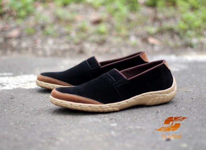 Foto Produk D-Island Shoes Slip On Chukka Suede Leather Black dari D-island Shoes