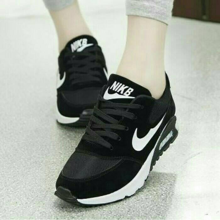 harga Sepatu olahraga nike hitam wanita cewek cewe sekolah wedges boots boot Tokopedia.com