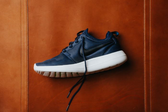 416d7c521cad Jual Nike Roshe Two