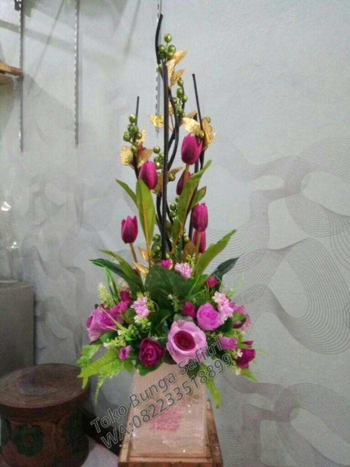 Jual Rangkaian Bunga Kerucut Tinggi 80cm Kota Surabaya Safitri Florist Tokopedia