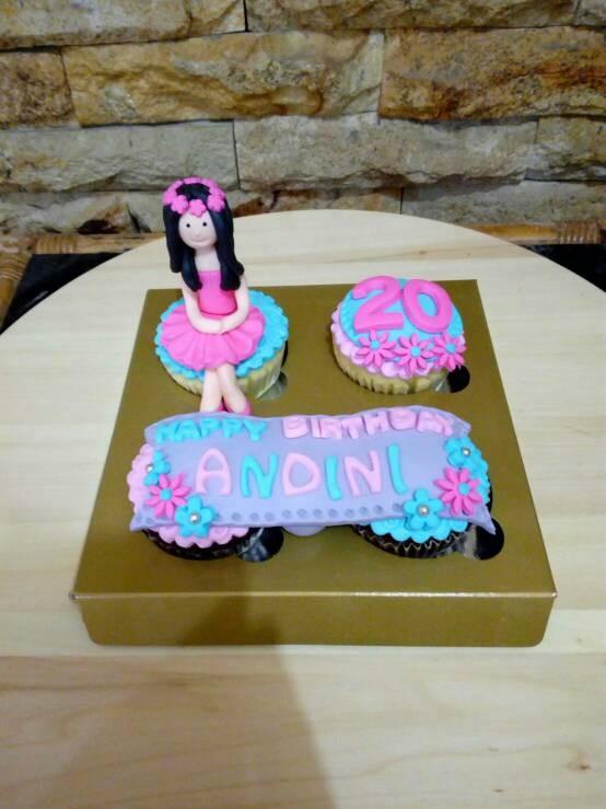 Jual Birthday Cupcake Kue Ultah Kado Unik Lucu Murah Kab Bandung Zharifahcupcakes Tokopedia