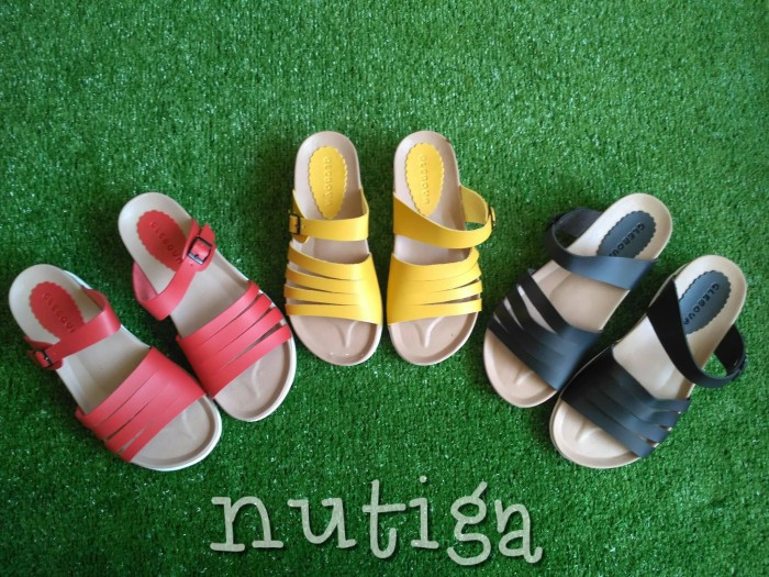 harga Bilna sandal wanita platform nyaman Tokopedia.com