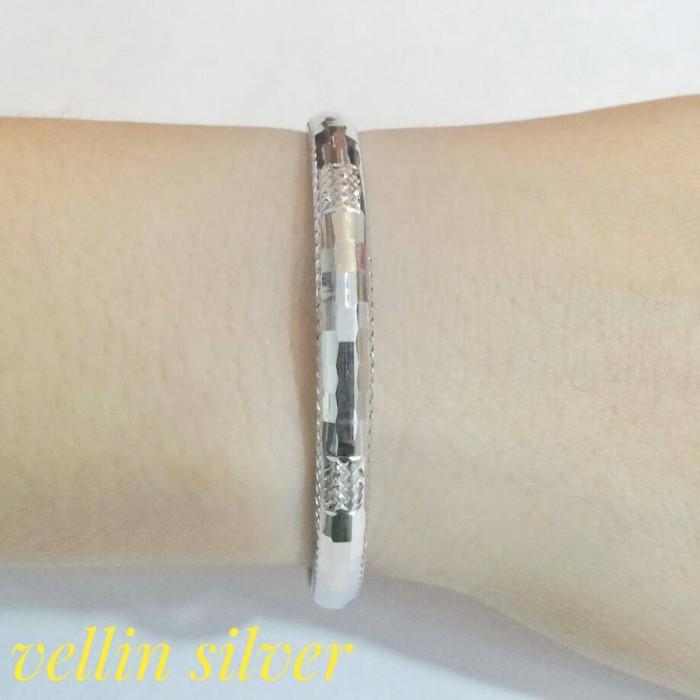harga Gelang tangan wanita import/gelang perak silver 925 lapis emas putih Tokopedia.com