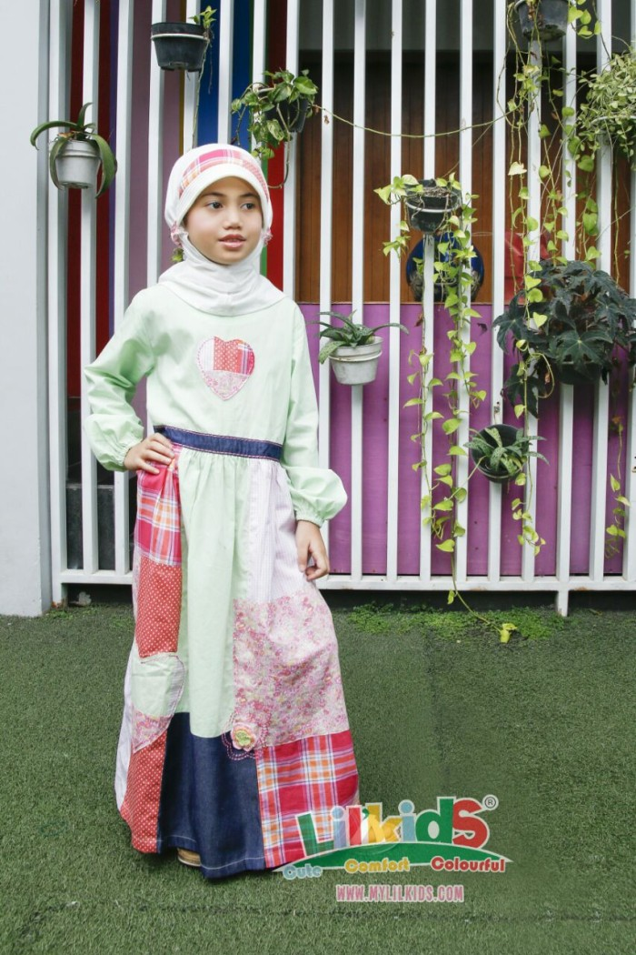 Foto Produk Baju Muslim Anak Hijau Size 6 RP 175.000 dari Lil Kids