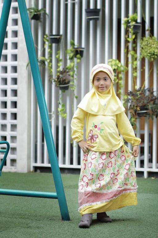 Foto Produk Baju Muslim Anak Vania Kuning Size 4 RP 115.000 dari Lil Kids