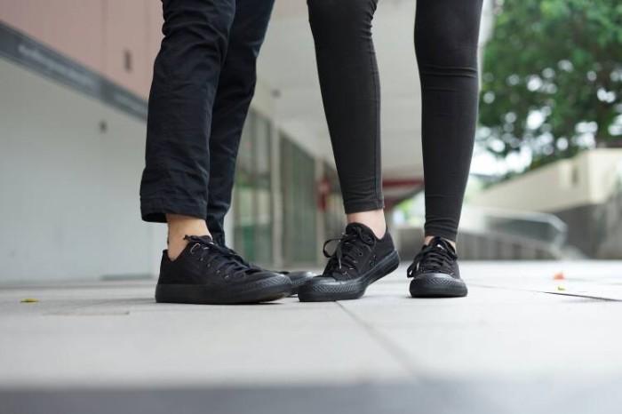 harga Sepatu converse allstar hitam/full hitam/full black murah Tokopedia.com