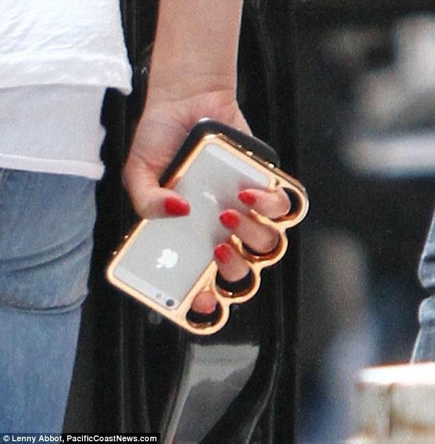 harga Knuckle case iphone 5/5s/se Tokopedia.com