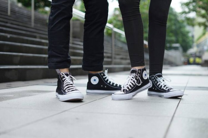 Jual sepatu converse allstar high tinggi panjang hitam putih murah ... 762df677ac