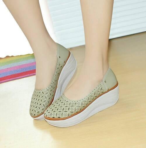harga Sepatu wanita murah - wedges laser sintetis cream nfz-806 Tokopedia.com