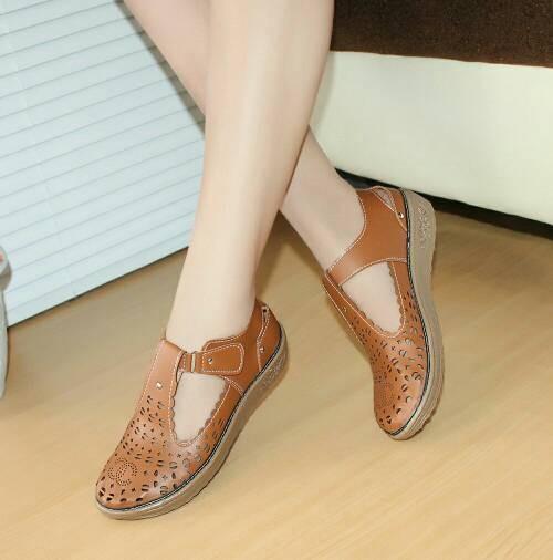 Sepatu Wanita Murah - Laser Sintetis Tan NFZ-801