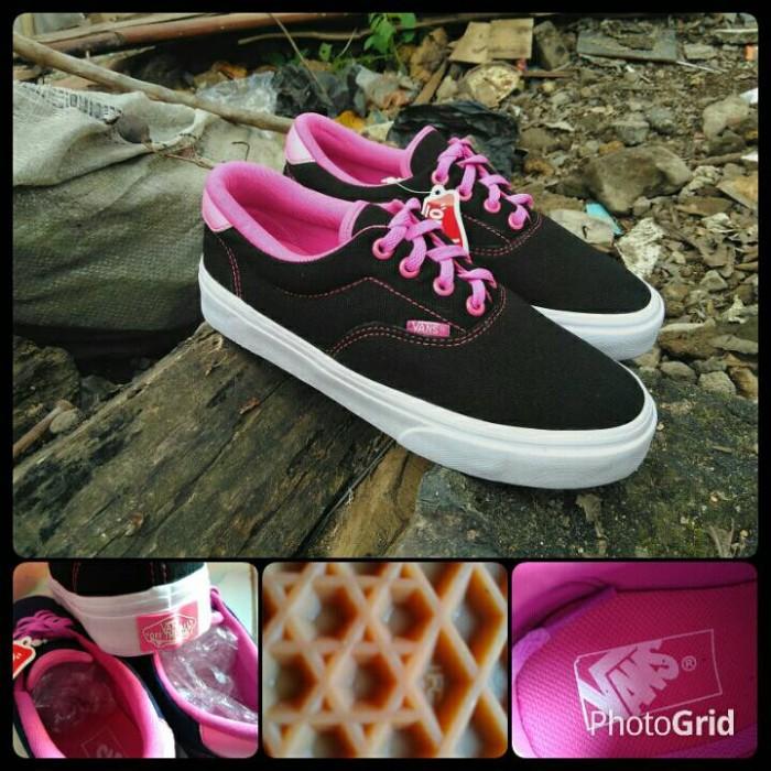 449c496c37 harga Sepatu vans era black pink for woman   sepatu vans wanita   cewek  Tokopedia.