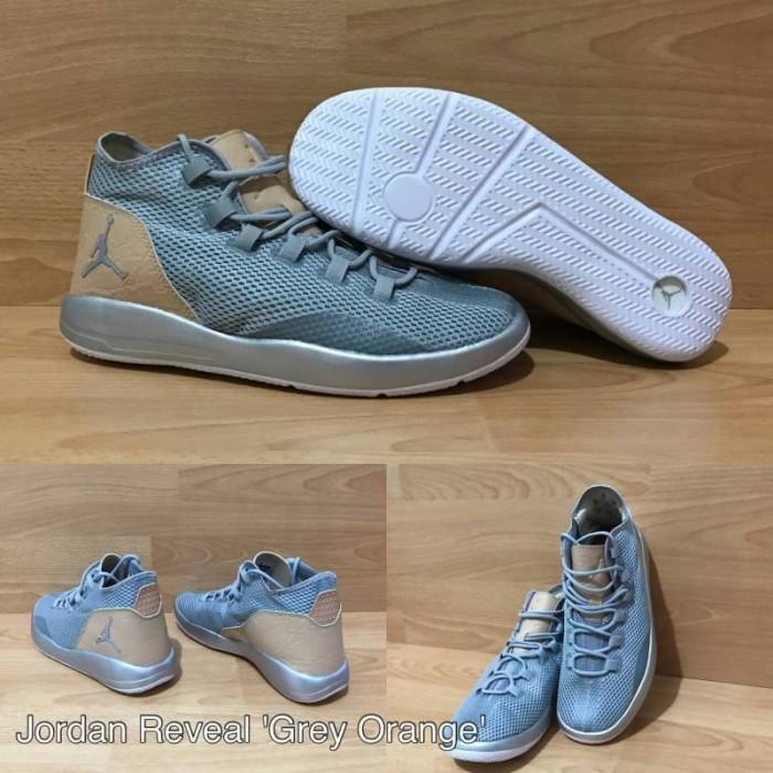 8496dcc8ff1c6f ... Sepatu Basket Air Jordan Reveal Grey Orange White . ...