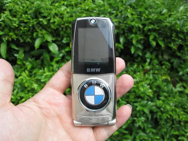 harga Hape antik bmw 760 metal body flip phone kolektor item Tokopedia.com