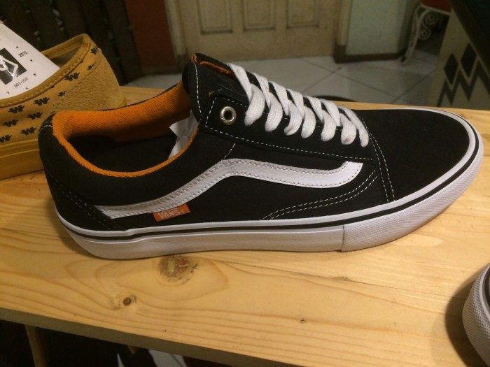 4bc847cf05 Jual (WTS) Sepatu Vans Old Skool Pro X Cult ukuran   size 42 (9 ...