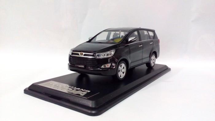harga Diecast miniatur mobil toyota kijang innova reborn 2016 hitam murah Tokopedia.com