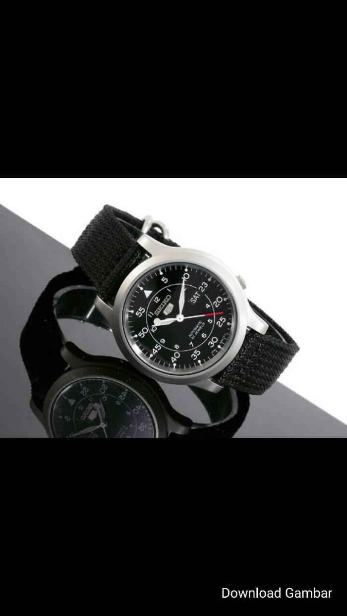 harga Seiko 5 snk809 automatic black dial canvas - garansi Tokopedia.com