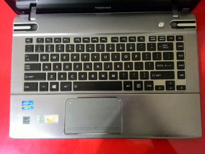 harman kardon laptop. Toshiba P845t-S4305 Core I3 SPEAKER Harman Kardon Laptop