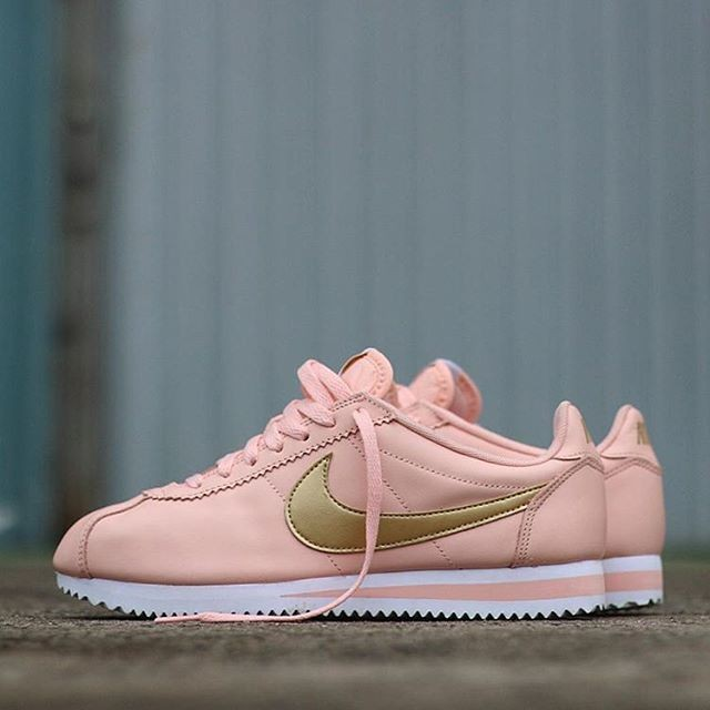 new product 5ad4d 28450 ... promo code nike classic cortez leather prm peach pink gold a01a4 8773f