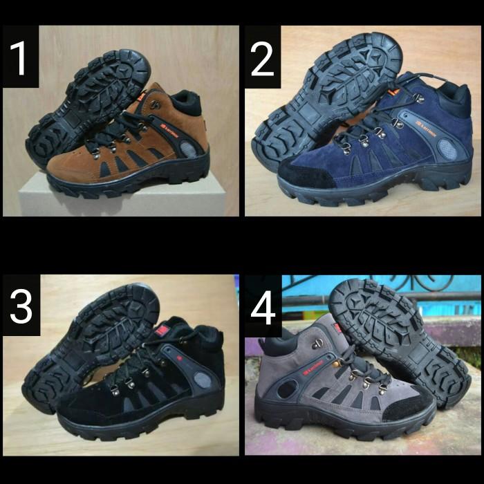 Jual sepatu gunung murah   sepatu waterproof murah   sepatu tracking ... d968740d8b