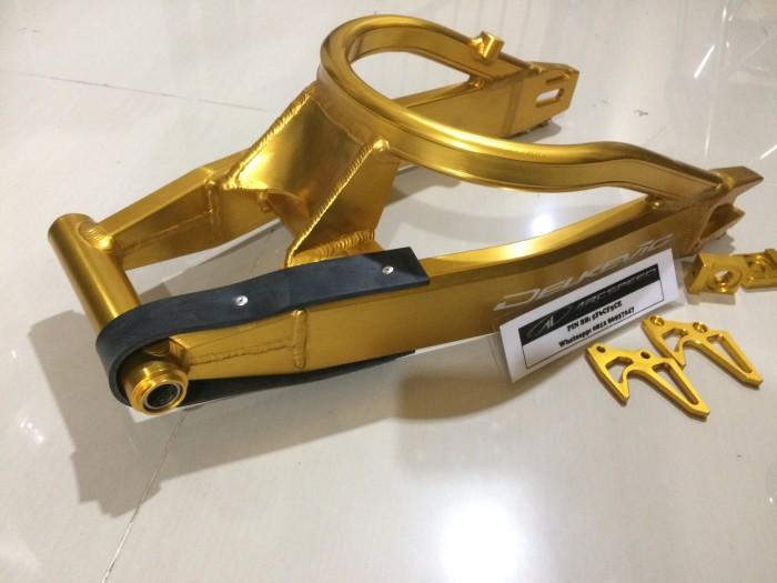 harga Swing arm delkevic new vixion / r15/ xabre gold Tokopedia.com