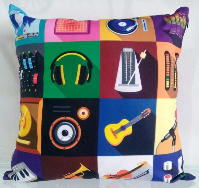 Sarung bantal sofa / kursi / bantal mobil music box