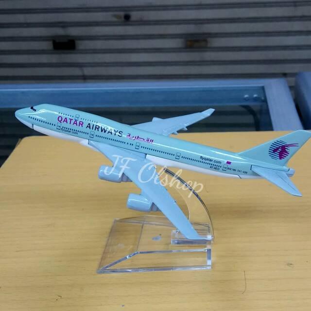 harga Miniatur pajangan pesawat qatar airways Tokopedia.com