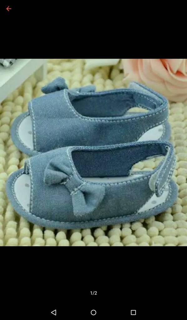 harga Sepatu prewalker bayi perempuan import sandal sendal biru denim pita Tokopedia.com