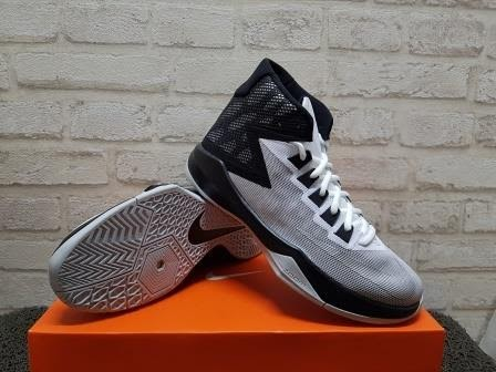 sepatu basket nike zoom devosion
