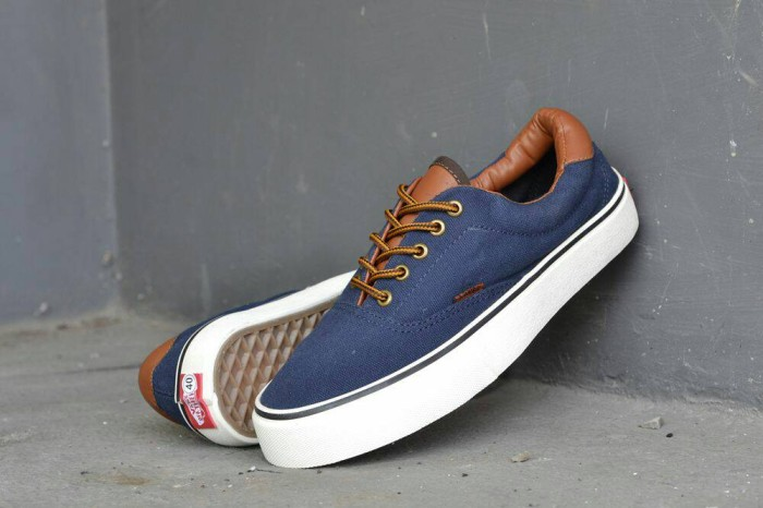b3981e6eaee4 Jual Sepatu Keren Sneakers pria