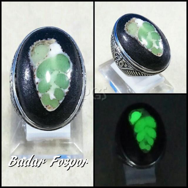 harga Cincin batu akik badar fosfor terang dalam gelap motif daun hijau Tokopedia.com
