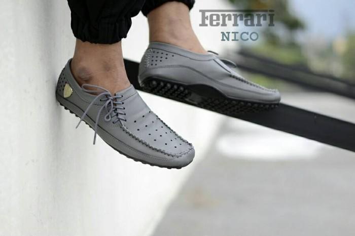harga Sepatu kerja formal pria simpel ringan ferrari slip on sintetis abu Tokopedia.com