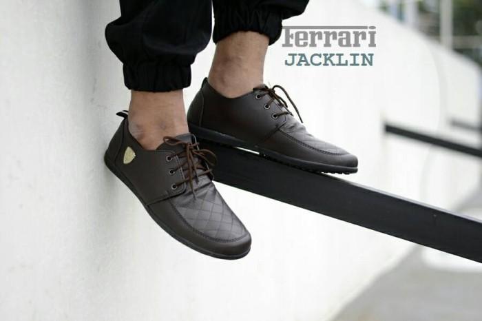 harga Sepatu formal kerja pria simpel ringan ferrari loafers sintetis coklat Tokopedia.com