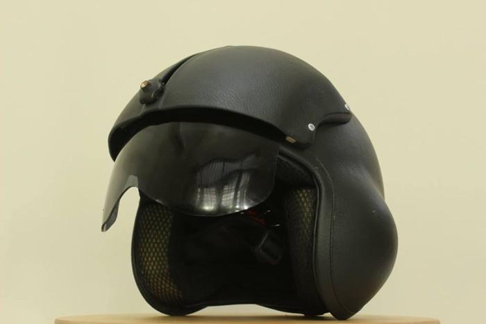 harga Helm pilot visor kaca - hitam Tokopedia.com