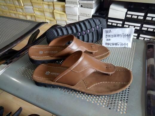 harga Sandal jepit pria kulit sapi asli sendal casual Tokopedia.com